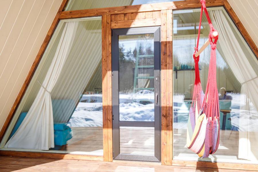 Черно-коричневые окна для дома-шалаша в Евсеево - 1863064800