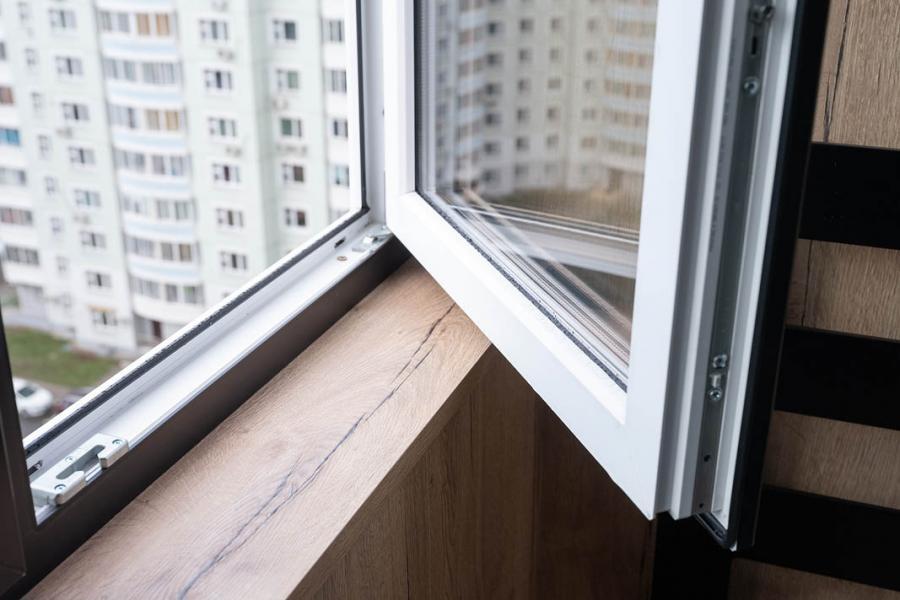 Черные окна ПВХ - 540971783