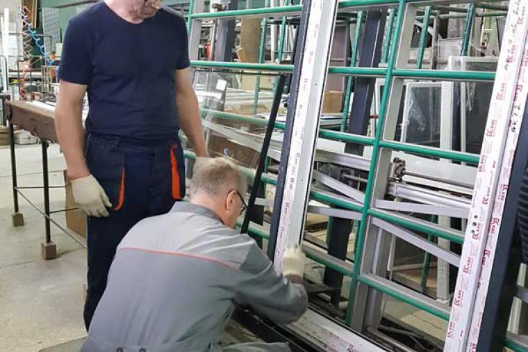 Вклейка стеклопакетов в окна ПВХ - 133080726