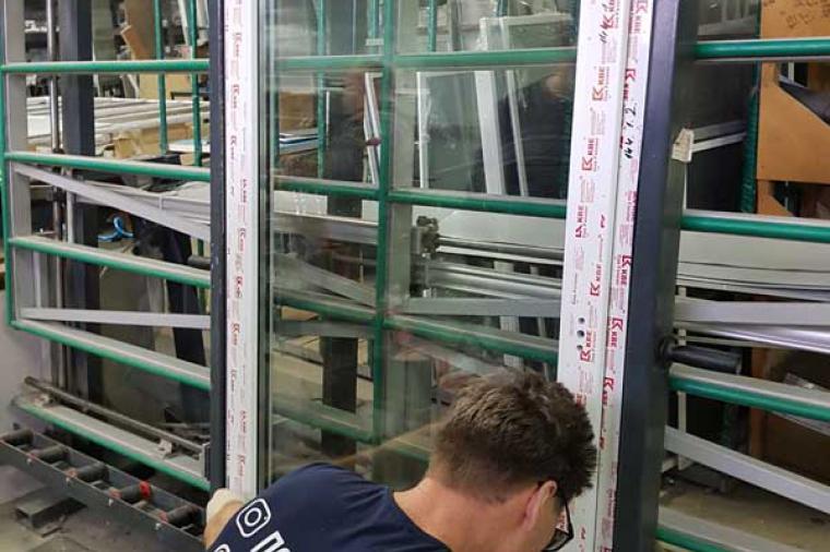 Технология вклейки стеклопакета - 1916810534