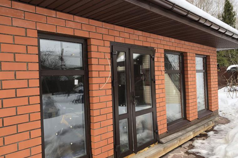 Сколько стоит пластиковая балконная дверь? - 894671149