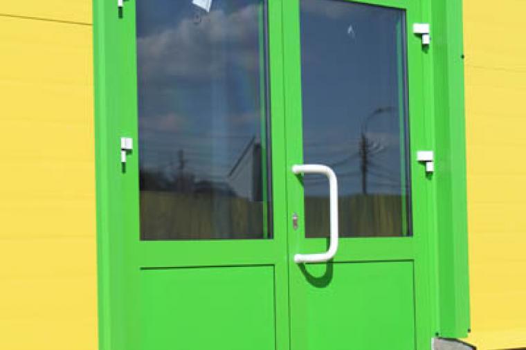 Двери из теплого алюминия: плюсы и минусы - 1619681423
