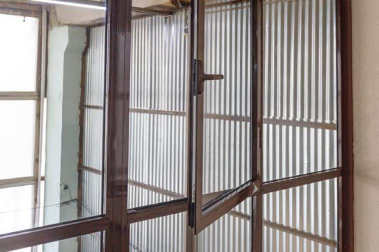 Офисные перегородки из стекла и алюминия – стиль вашего комфорта - 908716050