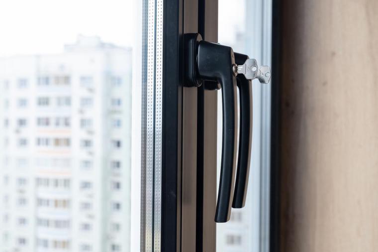 Черные пластиковые окна - 1281039157