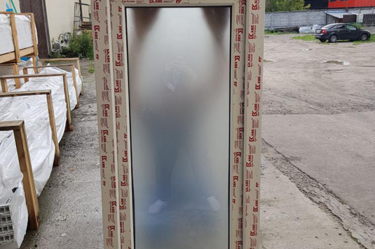 Окна с матовым стеклом - 327926012