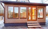 Летняя кухня с большими окнами - 765097476