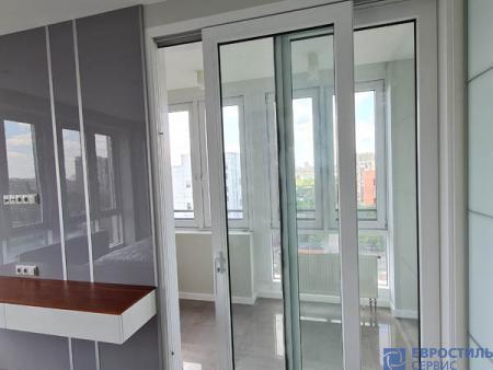 Спальня с выходом на балкон - 865290412